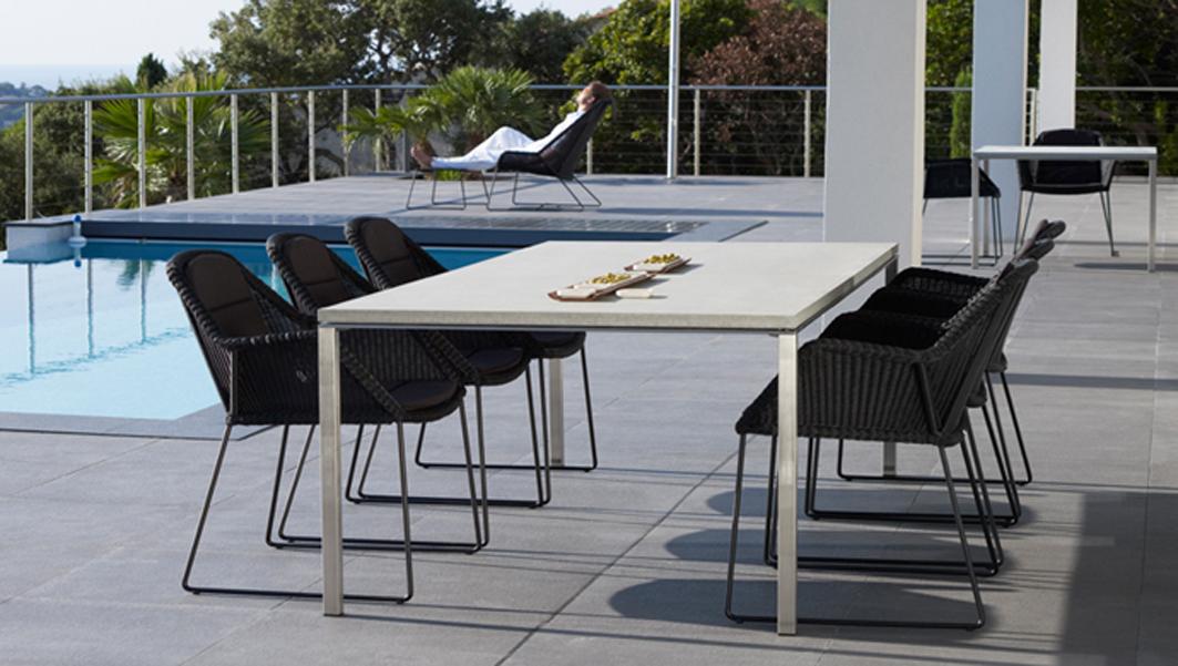 sessel breeze in schwarz stahlrohrgestell beschichtet mit polyrattan rattan und geflechtm bel. Black Bedroom Furniture Sets. Home Design Ideas